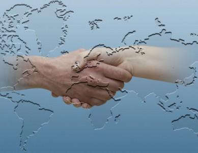 mano-subdireccion-cooperacion